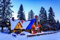 圣诞老人`村庄, Val大卫,魁北克,加拿大- 2017年1月1日:大房子在圣诞老人村庄 免版税库存图片