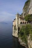圣诞老人Caterina del Sasso偏僻寺院  库存图片
