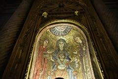 圣诞老人Prassede在罗马意大利是安置柱子涉嫌的段耶稣被鞭打和侵权行为的一个小教会 免版税图库摄影