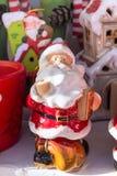 圣诞节与圣诞老人的市场摊位 免版税库存照片