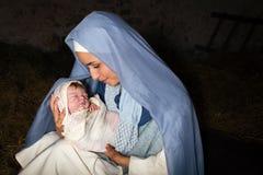圣诞节与母亲玛丽的诞生场面 免版税库存照片