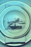 圣诞节与礼品的餐位餐具 库存图片