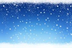 圣诞节与蓝色冬天天空和落的雪花的雪背景 免版税图库摄影