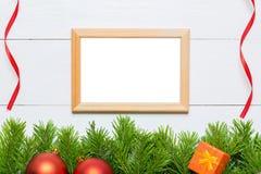圣诞节与装饰的杉树 照片框架拷贝空间 免版税图库摄影