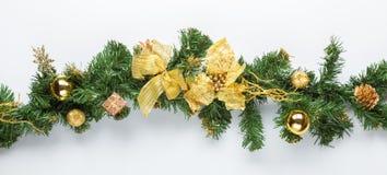 圣诞节与金黄装饰的杉树分支 库存照片