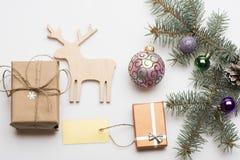 圣诞节中看不中用的物品和装饰 免版税库存照片