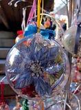 圣诞节中看不中用的物品,一朵蓝色花的里面的细节,在二 免版税库存图片
