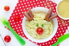 圣诞节乐趣食物孩子的艺术想法用早餐-逗人喜爱的驯鹿f 图库摄影