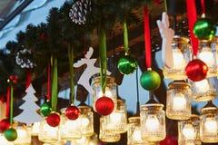 圣诞节五颜六色的装饰 免版税图库摄影