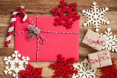 圣诞节信包冷杉节假日霍莉例证信笺纸向量 免版税库存照片