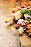 圣诞节假日与滚针和香料的烘烤设置 免版税库存照片