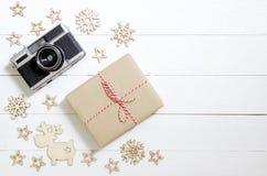圣诞节假日和新年快乐背景 礼物盒,加州 免版税库存图片
