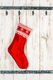 圣诞节储存 礼物的红色袜子 图库摄影