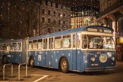圣诞节公共汽车在苏黎世 免版税图库摄影