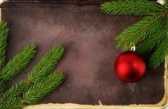 圣诞节冷杉老纸结构树 库存图片