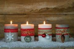 圣诞节出现蜡烛 免版税库存图片