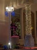 圣诞节列装饰了路灯柱 免版税图库摄影