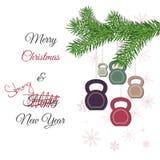 圣诞节和新年与kettlebells的贺卡和杉木分支 免版税图库摄影
