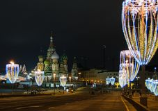 圣诞节和新年装饰在莫斯科 免版税库存图片