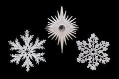 圣诞节和新年装饰:雪花的小雕象 是 库存图片