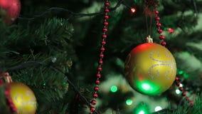 圣诞节和新年树装饰、诗歌选和玩具 股票录像