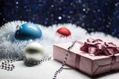 圣诞节和新年礼物盒和装饰 库存照片