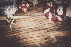 圣诞节和新年装饰和木头背景 库存图片