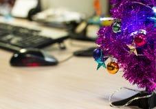 圣诞节在办公室 免版税库存图片