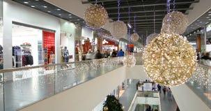 圣诞节在大黑星期五销售的购物疯狂 股票视频