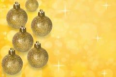 圣诞节在抽象bokeh背景的球装饰 免版税库存照片