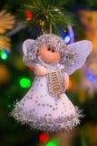 圣诞节在树的装饰天使 免版税库存图片