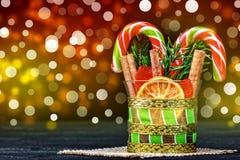 圣诞节在玻璃的棒棒糖 库存图片