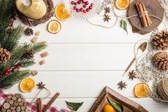 圣诞节在白色木的食物框架 库存照片