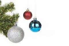 圣诞节在白色背景的球装饰 免版税图库摄影