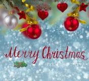 圣诞节在雪背景的装饰边界 库存照片