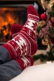 圣诞节在滑雪放松在山以后 免版税库存照片