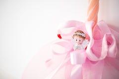 圣诞节天使小雕象 手工制造蜡烛 圣诞节装饰装饰新家庭想法 库存图片