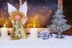圣诞节天使,圣诞树 免版税库存图片