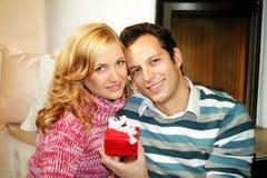 圣诞节夫妇 免版税图库摄影