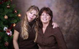 圣诞节女儿母亲 免版税图库摄影