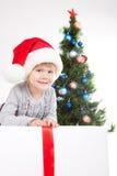 圣诞节女孩少许最近的结构树 免版税库存图片