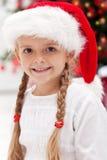 圣诞节女孩愉快的纵向时间 免版税库存图片