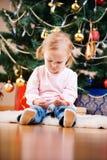 圣诞节女孩纵向小孩 库存照片