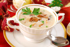 圣诞节奶油色蘑菇汤 免版税库存照片