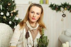 圣诞节妇女,节假日 免版税库存图片