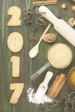 圣诞节姜姜饼的成份用蜂蜜和cin 免版税图库摄影
