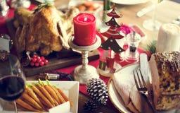 圣诞节家庭饭桌概念 免版税库存图片
