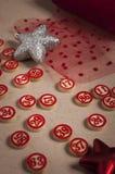 圣诞节宾果游戏数字和装饰 库存图片