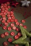 圣诞节宾果游戏数字和装饰 免版税库存照片