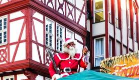 圣诞节市场受欢迎的旅游胜地在法兰克福,德国 免版税库存照片